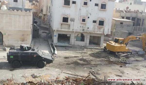 مئات يفرون من بلدة العوامية السعودية وسط اشتباكات بين قوات الأمن ومسلحين ودعوات على مواقع التواصل الاجتماعي لتوفير مأوى للأسر النازحة