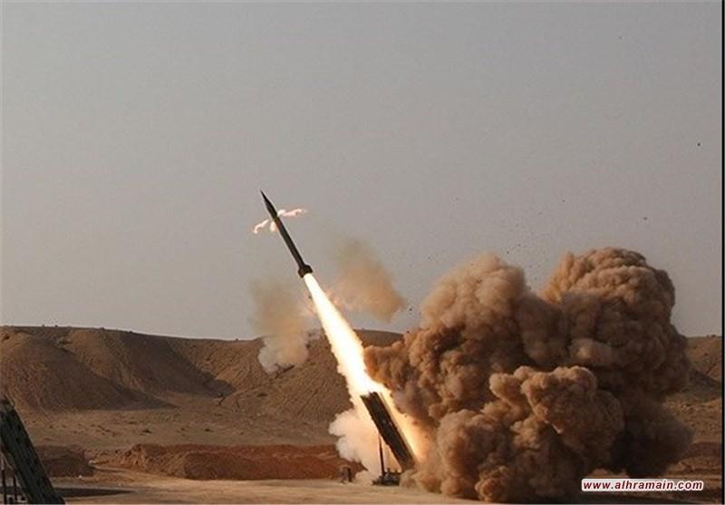 صاروخ زلزال 1 يستهدف تجمعات مرتزقة العدوان السعودي في تعز