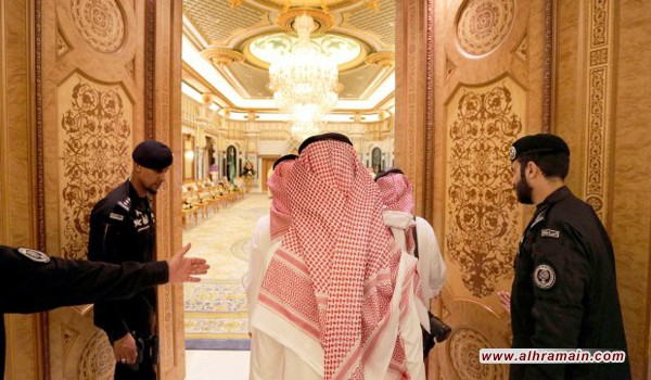 أمراء آل سعود في عالم بعيد عن أزمات البلد الاقتصادية والمالية