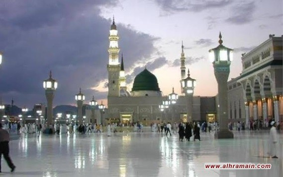 السعودية توقف صلاة الجمعة والجماعة في المساجد باستثناء الحرمين والاكتفاء برفع الأذان