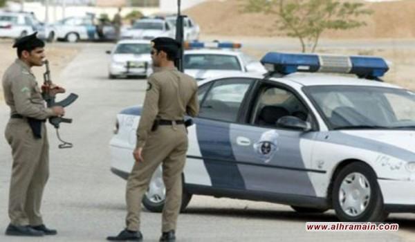 الشرطة السعودية تعلن قتل رجل بالرصاص يشتبه بانتمائه الى تنظيم الدولة الاسلامية في الرياض دون تعرض أي شخص من الموجودين في المكان لأي أذى