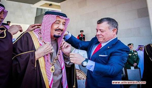 ملك الاردن المنافق يسلم قاتل اطفال اليمن و سوريا والعراق ارفع و سام في مملكة العهر الأردنية
