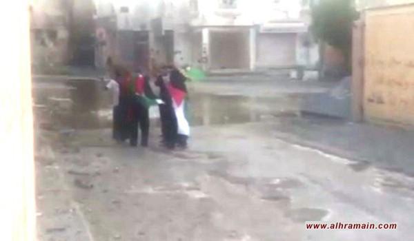 """العوامية: المدرعات تهاجم """"حي المسوّرة"""" بسبب إحياء يوم القدس"""
