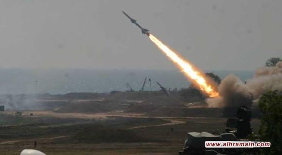 """""""أنصار الله"""" تقصف مدينة جازان الاقتصادية جنوب غربي السعودية بصاروخ باليستي من نوع بدر 1.. والدفاعات الجوية السعودية تعلن اعتراضه"""