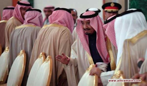 نيزافيسيمايا غازيتا: الملك السعودي يبحث عن بديل لواشنطن