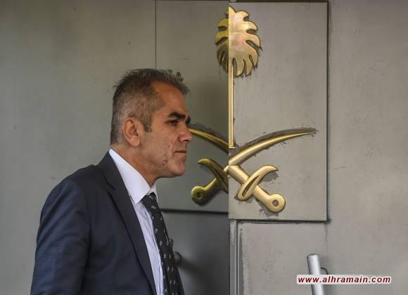 فرق البحث الجنائي التركية تدخل مبنى القنصلية السعودية والشرطة التركية لديها تسجيل يشير لمقتل خاشقجي ومسؤولون سعوديون وأتراك يلتقون للتحقيق في مصير خاشقجي (فيديو)