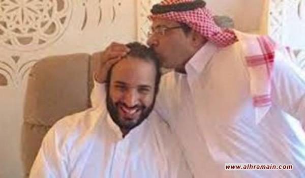 """مستشار بالديوان الملكي السعودي: لدينا """"قائمة سوداء"""" ولن يعفى أي متآمر على دول المقاطعة"""