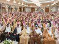 السعوديون يتفاعلون مع الأُمراء المُتجمهرين في قصر الحُكم ويبحثون في حقيقة أسباب اعتقالهم..