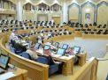 موافقة شورية للموظفين السعوديين للعمل بالتجارة والقطاع الخاص