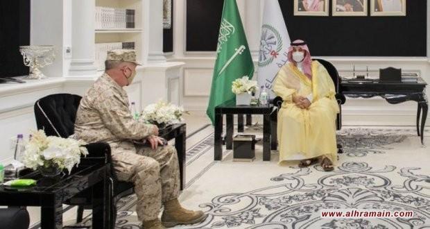 نائب وزير الدفاع السعودي يلتقي قائد القيادة المركزية الأمريكية