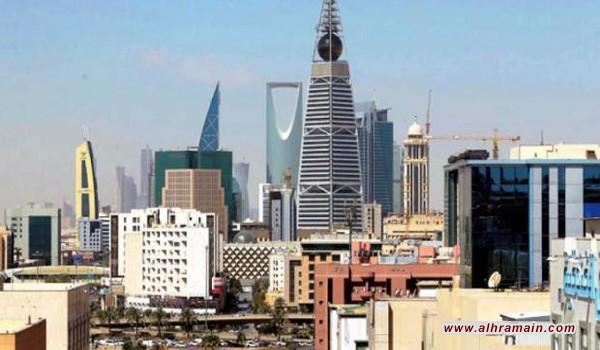 انخفاض قياسي لأداء القطاعِ التجاريّ للسعودية