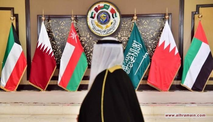 إنتليجنس أونلاين: عواصم الخليج تعود للحصار بعد فشل قمتهم