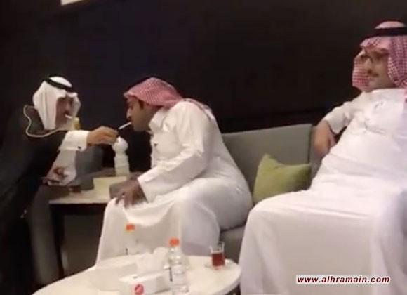 """لماذا قررت الرياض """"استبدال"""" سفيرها في عمان بعد حادثة """"السيجارة""""؟.."""