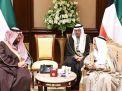 رسالة من الملك سلمان لامير الكويت حملها وزير سعودي